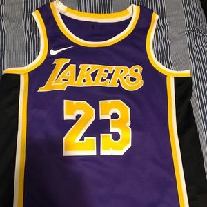 NWOT Los Angeles Lakers #23 Lebron James Jersey